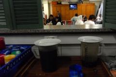 Čaj ve středisku pro uprchlíky