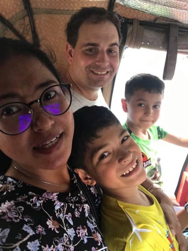 Lubos s rodinou 2019_2.jpg